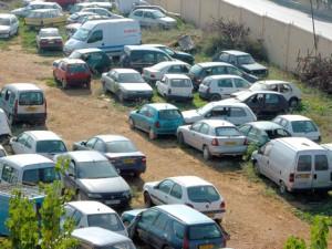 وقف تمديد رخص سير السيارات الأجنبية دون مبررات موثقة