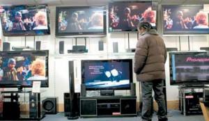 الجزائريون يقتنون أكثـر من 2.5 مليون جهاز تلفزيون سنويا